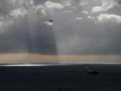 balcorama di novembre (fotomie2009) Tags: balcorama sea mare clouds nuvole ship nave raggi solari di sunbeam sole mood dark