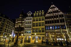 Frankfurt0538 (schulzharri) Tags: frankfurt deutschland europa nacht city night stadt lichter farben colours light building travel europe germany hessen gebäude architektur himmel fenster foto