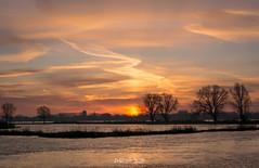 Cold Winter Morning,.....Gorcum (Willem Vernooy (FoToWillem)) Tags: winter zon zonsopkomst sun sunrise sky lucht luchten landscape landschap nederland netherlands holland hollanda hollande gorinchem gorcum gorkum ftw fotowillem willemvernooy