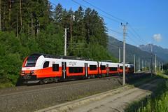 4746 033/533, R 4933 ( Mallnitz-Obervellach -> Spittal-Millstättersee ). Pusarnitz (M. Kolenig) Tags: 4746 cityjet tauernbahn berg baum wald