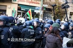 Demonstration: Der Wunsch nach Freiheit lässt sich nicht verbieten! – 01.12.2018 – Berlin - IMG_0174 (PM Cheung) Tags: 25jahrepkkverbot ypg kurden polizei polizeigesetze berlin derwunschnachfreiheitlässtsichnichtverbieten derwunschnachfreiheitlässtsichnichtverbietengemeinsamgegenpolizeigesetze pkkverbotundnationalismus bundesweitedemonstration interventionistischelinke kurdistan rojava türkei 01122018 demonstration demo pag polizeiaufgabengesetz kurdendemonstration pmcheung protest repression überwachung bundesinnenministerhorstseehofer kundgebung 2018 protestfotografie pomengcheung mengcheungpo auftaktkundgebung wwwpmcheungcom aufhebungpkkverbot afd facebookcompmcheungphotography polizeistaat arbeiterparteikurdistans protestveranstaltung rotehilfeev partiyakarkerênkurdistanê ernk bundesinnenministerrudolfseiters auseinandersetzungen rangeleien diepkkgehörtzudeutschland serihilde