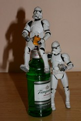 339 - 365 gin (horsesqueezing) Tags: clonetroopers gin drinking toys 365