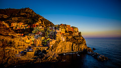 Dorada Manarola, Cinque Terre (pepoexpress - A few million thanks!) Tags: nikon nikkor d750 nikond75024120f4 nikond750 24120mmafs pepoexpressflickr cinqueterre italy manarola sea seascape goldenhour horadorada horamágica sunset sunrise