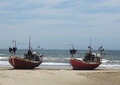 Barcos en la arena (carlos_ar2000) Tags: barco bote boat ship playa beach mar sea pescador fisherman paisaje landscape cabopolonio rocha uruguay