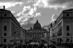 Saint peter Dome in black and white (max832) Tags: fiumeinpiena pontesangelo monument city micro43 rome palazzi cultura cielo visita postcards museo olympus fotografia omd tevere buildings castelsantangelo blackwhite buildingd mft sky città sanpietro eroma em10iii panorama cupola roma 2019 italy 25mm18 dome