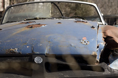 Tom's Scrapyard (Baldran) Tags: abandoned ruin vacant decay derelict wreck classic automobile car