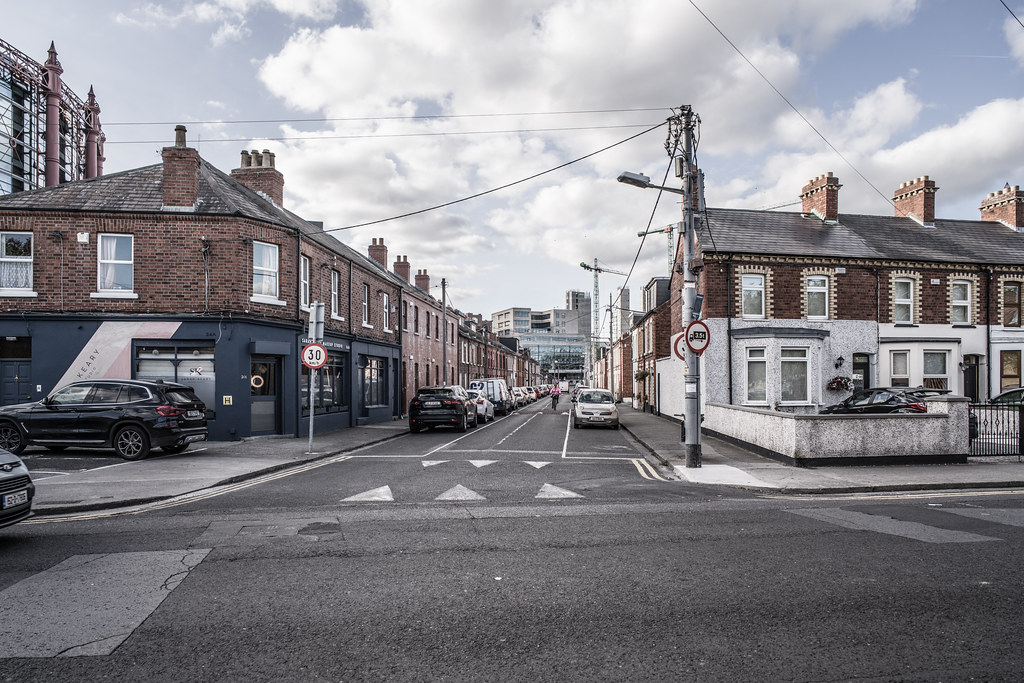 GORDON STREET [OFF SOUTH LOTTS ROAD IN DUBLIN]-145991
