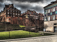 A view of the Old Town from the side of Mostowa street (Adam Nowak) Tags: chmury budowle architektura walls brick town