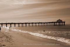 DSC_9925- Manhattan Beach pier (Claudio Vázquez @ cvphotoart) Tags: california manhattanbeach surf surfing surfers nikond80 beach
