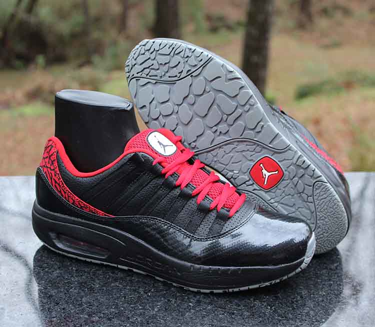 0d6ac835e81d Air Jordan CMFT Viz Air Max 11 Black Red White 444905-008 Men s Size 8.5