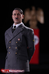 3R GM640 Adolf Hitler 1889-1945 Ver A - 56 (Lord Dragon 龍王爺) Tags: 16scale 12inscale onesixthscale actionfigure doll hot toys 3r did german ww2 axis