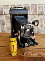 Kodak Junior Six-20 Film Camera - 1935 (http://www.yashicasailorboy.com) Tags: kodak 620film rollfilm 1930s photography juniorsix20