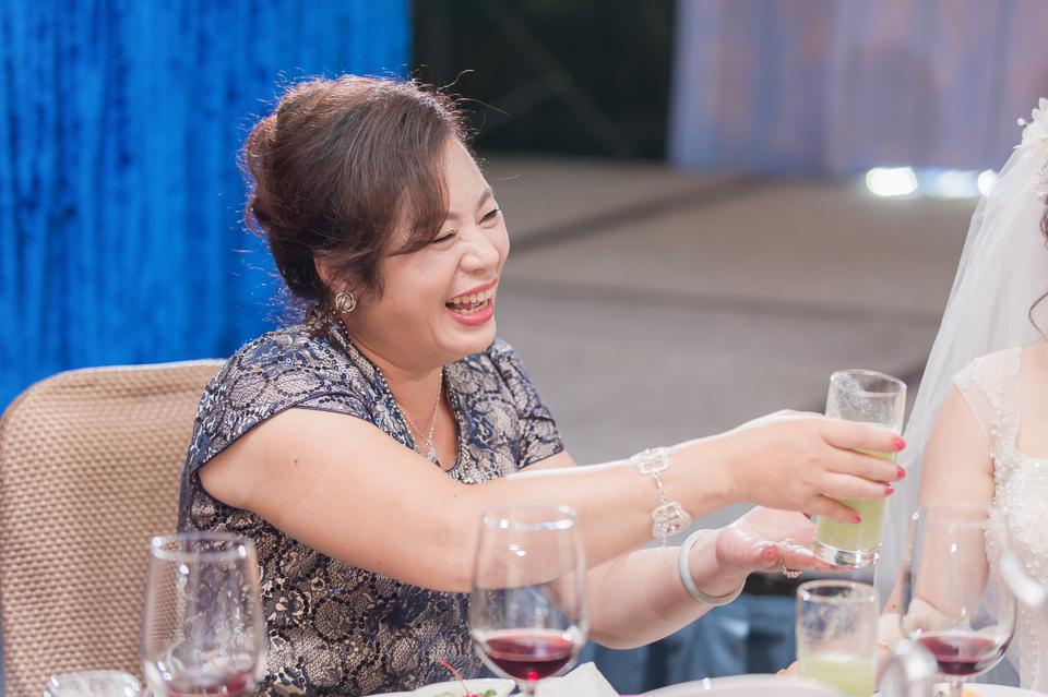 台南東東宴會式場 婚宴 走在幸福的紅毯上 R & B 120