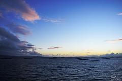 Mas allá de un horizonte... isla de arosa (Ismael Owen Sullivan) Tags: foto fotografia d5300 digital galicia landscape arousa azul blue cielo clouds colors horizont horizonte sea mar atlantico atardecer sky sun sunset batea
