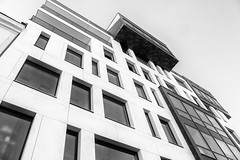 Moderne Architektur, Prag / Modern architecture, Prague (ludwigrudolf232) Tags: architektur haus moderne prag einfarbig