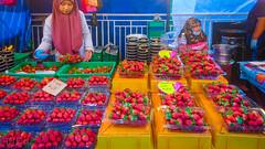 DSC_4566 (inkid) Tags: visit travel asia malaysia strawberry fruits pahang highlands cameron rata tanah malam pasar