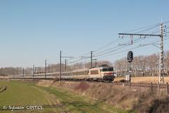 Le 4661 Bordeaux - Marseille est amené par la BB 7265 (Sylvain COSTES) Tags: bb7200 train locomotive intercités railway
