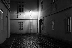 Early morning in Prague (romanboed) Tags: leica m 240 summilux 50 czech europe cesko czechia prague praha prag praag praga city fall autumn travel tourism 布拉格 прага プラハ براغ 프라하 street night bw monochrome black white absoluteblackandwhite
