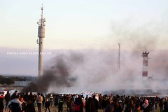 #Palestinian #protesters during #clashes with #Israeli_forces a near the #border with #Israel, (TeamPalestina) Tags: gaza palestinian sun sunset sunrise sweet sky beautifull comfort live sunrays photo photographer landscapecaptures natural تصويري palestine landscape landscapes nice am amazing