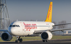 Pegasus Airlines A320NEO lining up runway 36L (Nicky Boogaard) Tags: amsterdam amsterdamairport schiphol amsterdamschipholairport schipholairport winterlight airbus aviation a320neo neo a320 polderbaan 18r36l