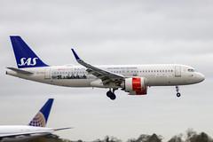 "SE-ROA | SAS Scandanivan Air Services | Airbus A320-251n(WL) | CN 7602 | Built 2017 | DUB/EIDW 17/12/2018 | ""Netflix - The Rain"" SC (Mick Planespotter) Tags: aircraft airport 2018 a320 dublinairport collinstown nik neo sharpenerpro3 seroa sas scandanivan air services airbus a320251nwl 7602 2017 dub eidw 17122018 netflixtherain sc"