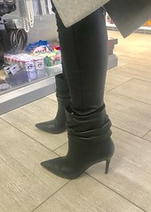 Rosina in the shopping mall (Rosina's Heels) Tags: leather leggings high heel stiletto ankle boots