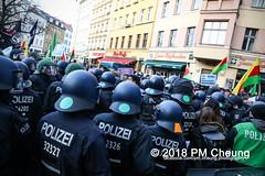 Demonstration: Der Wunsch nach Freiheit lässt sich nicht verbieten! – 01.12.2018 – Berlin - IMG_0151 (PM Cheung) Tags: 25jahrepkkverbot ypg kurden polizei polizeigesetze berlin derwunschnachfreiheitlässtsichnichtverbieten derwunschnachfreiheitlässtsichnichtverbietengemeinsamgegenpolizeigesetze pkkverbotundnationalismus bundesweitedemonstration interventionistischelinke kurdistan rojava türkei 01122018 demonstration demo pag polizeiaufgabengesetz kurdendemonstration pmcheung protest repression überwachung bundesinnenministerhorstseehofer kundgebung 2018 protestfotografie pomengcheung mengcheungpo auftaktkundgebung wwwpmcheungcom aufhebungpkkverbot afd facebookcompmcheungphotography polizeistaat arbeiterparteikurdistans protestveranstaltung rotehilfeev partiyakarkerênkurdistanê ernk bundesinnenministerrudolfseiters auseinandersetzungen rangeleien diepkkgehörtzudeutschland serihilde