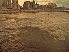 Mar (Aprehendiz-Ana Lía) Tags: nikon flickr mar cielo playa agua costa ciudad city mare beach ola verano atardecer mdq argentina water luz color imagen verde