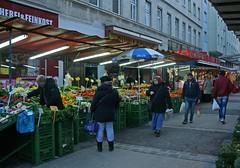 Auf dem Brunnenmarkt (Wolfgang Bazer) Tags: brunnenmarkt brunnengasse neulerchenfeld ottakring markt market wien vienna österreich austria