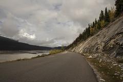 Maligne Lake Road - DSC_2184a (Markus Derrer) Tags: jaspernationalpark markusderrer september fall malignelakeroad mountains trees medicinelake