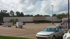 A Retail Reminder (Retail Retell) Tags: former jcpenney oxford mall ms lafayette county retail closing last final day labelscar 2017 university mississippi ole miss jackson avenue center