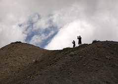 Paparazzi on the Ridge - phil and cami 1 (nicoangleys) Tags: lautaret coldugalibier france2018