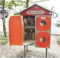 189- LIBRERIA PARA EL PUEBLO - REPÚBLICA INDEPENDIENTE DE UZUPIS - VILNIUS - LITUANIA - (--MARCO POLO--) Tags: curiosidades ciudades rincones barrios