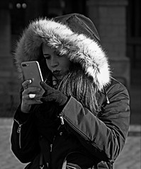 Kiss kiss (Phil*ippe) Tags: blackwhite black white winter portrait people woman selfie smile phone mobile antwerp antwerpen anvers
