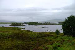 Glencoe valley / Highlands / Escocia (160) / Scotland (Ull màgic (+1.500.000 views)) Tags: glencoe highlands scotland escocia llac lago aigua agua water natura naturaleza nature paisatge paisaje landscape prats prados núvols nubes fuji xt1