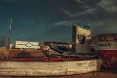 Boats... (hobbit68) Tags: fujifilm xt2 boats boote sky himmel wolken clouds espagne espanol espana andalusien andalucia atlantik alt k old holiday urlaub barcos barca sonnenschein sonne sommer spanien strand sun sunshine spain sunset sonnenaufgang sand summer hafen port puerto beach playa wasser water
