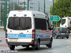 Mercedes-Benz Sprinter 316 CDI (Adrian Kot) Tags: mercedesbenz sprinter 316 cdi policja police r858
