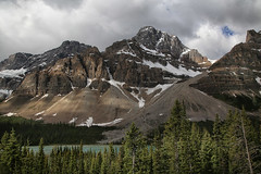 Canadian landscape (crafty1tutu (Ann)) Tags: travel holiday 2018 canadaandalaska canada banffnationalpark forest mountain mountains mountainrange mountainside trees snow cosmos bustour crafty1tutu canon5dmkiii canon24105lserieslens anncameron sky landscape tree wood grass lake river naturethroughthelens