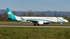 Embraer ERJ-195LR I-ADJN Air Dolomiti (William Musculus) Tags: airport spotting plane airplane aviation basel mulhouse freiburg bsl mlh eap euroairport lfsb aeroport iadjn air dolomiti embraer erj195lr erj190200 lr dla en