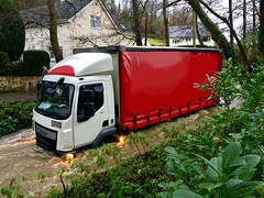 IMG-20181207-WA0011 (JAMES2039) Tags: volvo fm12 ca02tow fh13 globetrotter pn09juc pn09 juc tow towtruck truck lorry wrecker rcv heavy underlift heavyunderlift 8wheeler 6wheeler 4wheeler frontsuspend rear rearsuspend daf lf cf xf 45 55 75 85 95 105 tanker tipper grab artic box body boxbody tractorunit trailer curtain curtainsider tautliner isuzu nqr s29tow lf55tow flatbed hiab accidentunit iveco mediumunderlift au58acj ford f450 renault premium trange cardiff rescue breakdown night ask askrecovery recovery scania 94d w593rsc bn11erv sla superlowapproach demountable