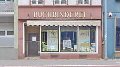 Buchbinderei Schenk Römerstrasse in Worms 22.9.2018 4083 (orangevolvobusdriver4u) Tags: archiv2018 2018 deutschland germany worms shop geschäft buchbinderei römerstrasse fenster window rheinlandpfalz