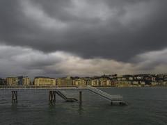 ...Marea Alta ... (Lanpernas .) Tags: embarcadero donostia invierno laconcha mareaalta 2017 city sansebastián winter