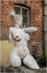 197- DESNUDO FEMENINO EN LA REPÚBLICA INDEPENDIENTE DE UZUPIS- VILNIUS- LITUANIA - (--MARCO POLO--) Tags: rincones ciudades curiosidades