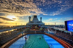 Cruise Sunrise (DaveFlker) Tags: cruise sunrise ovationoftheseas