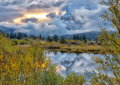 Rundle Wrapped (Phil's Pixels) Tags: mtrundle rundle vermillionlakes reflections sunrise sunup dawn daybreak morning autumn fall fallfoliage stormy foggy banff banffnationalpark alberta canada