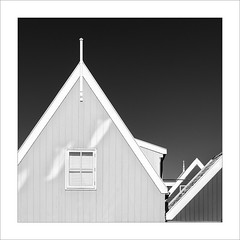Volendam (ximo rosell) Tags: ximorosell bn blackandwhite bw buildings arquitectura architecture abstract abstracció holanda llum luz light squares amsterdam