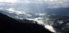 Sutan (Paulo Etxeberria) Tags: lainoak nieblas mist brouillard argia luz light lumière pagasarri arrigorriaga ugaomiraballes paisaia paisaje landscape paysage