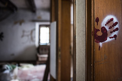 Bloody Hand (c.gorges) Tags: blood blut hand nikon d750 sigma 24mm f14 lostplace bokeh