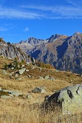 sguardo su Cima d'Asta (Tabboz) Tags: montagna lagorai lago autunno prati nuvole sentiero escursione cielo erba porfido acqua panorama sole