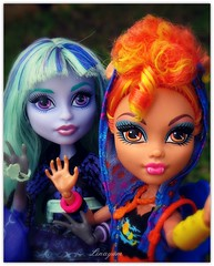 Happy Weekend! (Linayum2.0) Tags: howleen howleenwolf· twyla friends bestfriends selfie doll dolls mh monster monsterhigh mattel muñecas muñeca toys toy juguetes juguete linayum